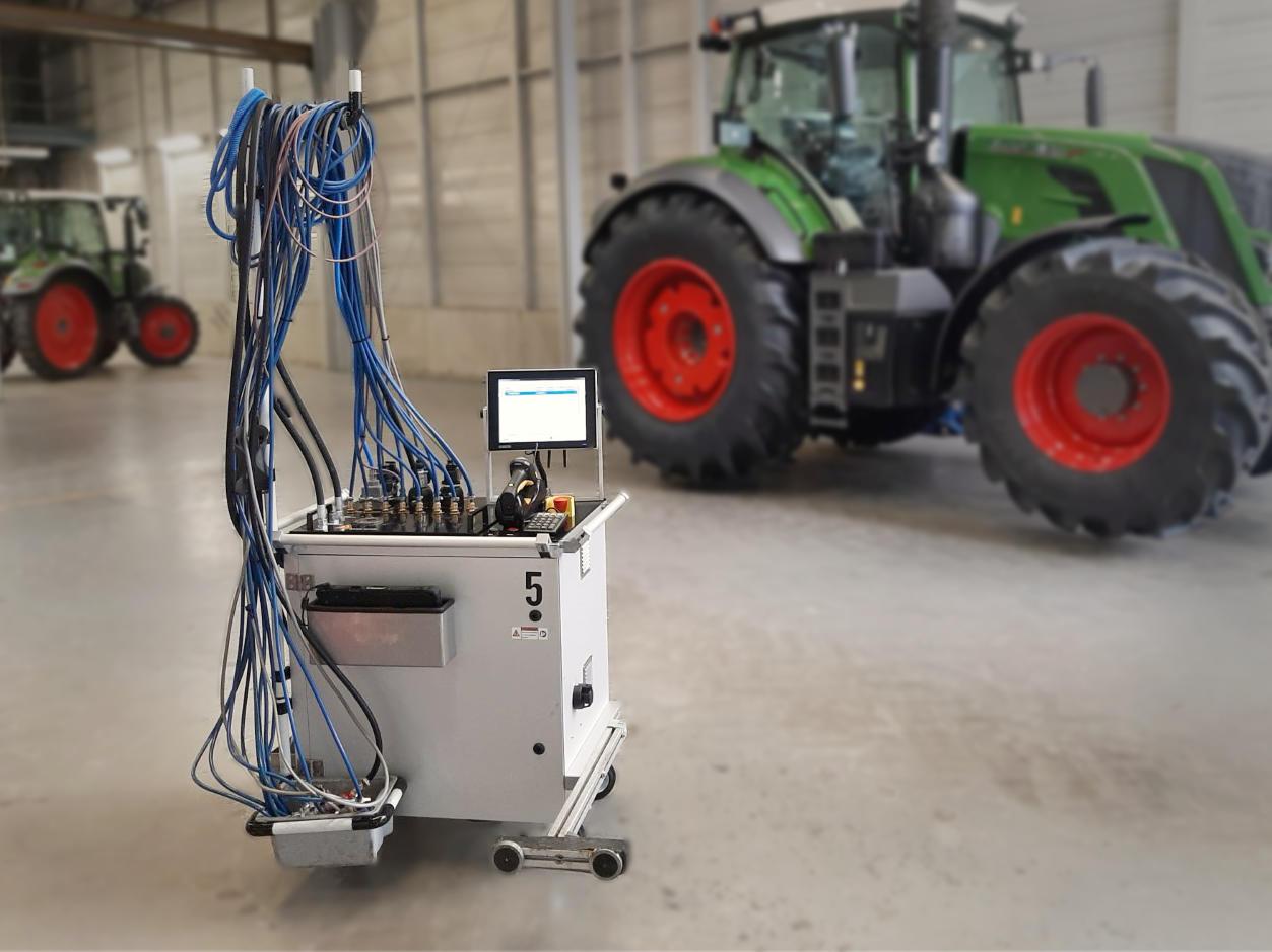 Automotive Prüfwagen für EoL-Test von Brems-, Druckluft-, und Hydraulikanschlüssen.
